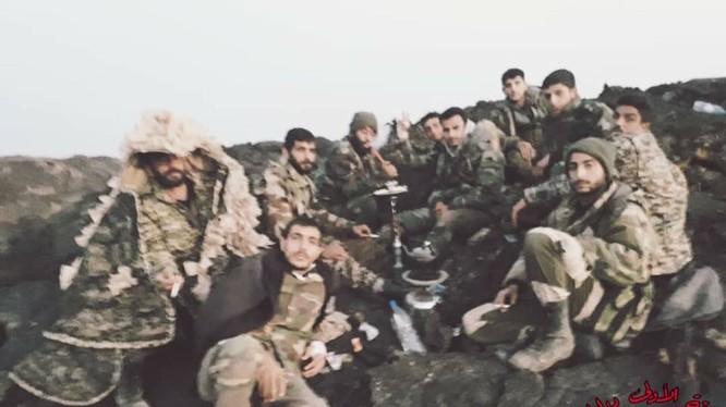 Binh sĩ quân đội Syria trên chiến trường al-Safa, Sweida sau chiến thắng. Ảnh minh họa: Al-Masdar News.