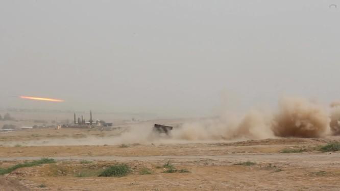 Quân đội Nga ở Tajikistan thực hiện diễn tập hỏa lực chống khủng bố.