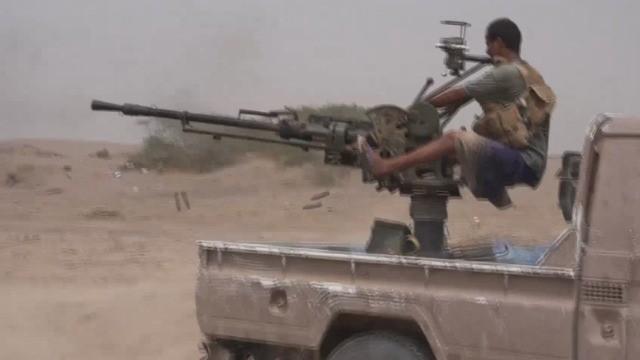 Các chiến binh Yemeni do Ả rập Xê út hậu thuẫn tấn công về hướng thành phố cảng Hodeidah. Ảnh minh họa video