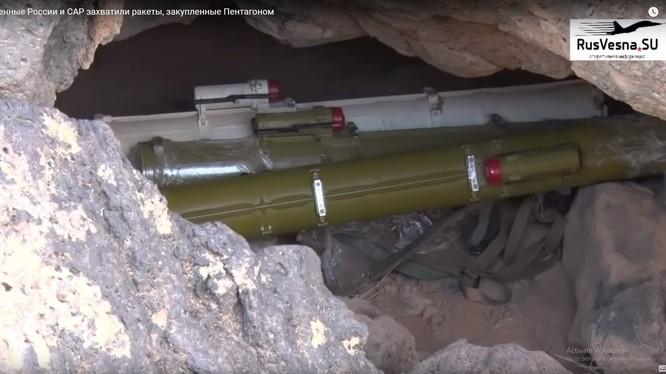 Quân đội Syria thu giữ vũ khí của IS ở al-Safa. Ảnh minh họa video Rusvesna