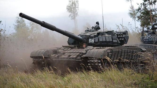 Xe tăng T-73B3, nguyên mẫu mà Bộ quốc phòng Nga muốn robot hóa. Ảnh minh họa RIA.Novosti