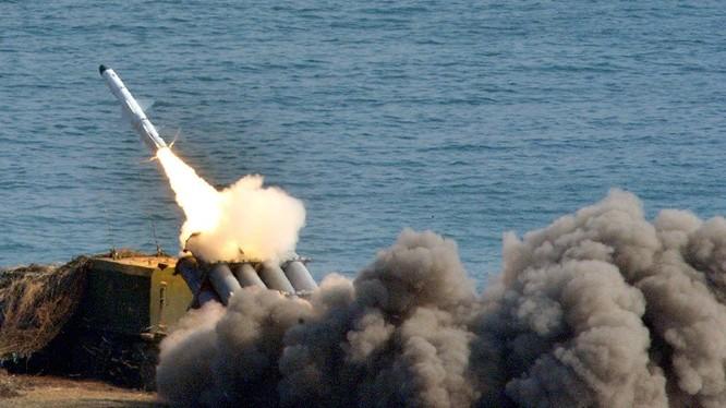 Tổ hợp tên lửa chống tàu Bal, phóng đạn. Ảnh minh họa Russian Gazeta