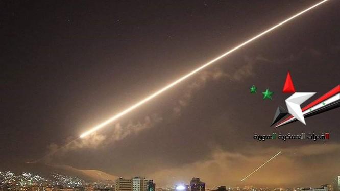 Lực lượng phòng không Syria đánh trả cuộc không tập của Israel. Ảnh minh họa South Front