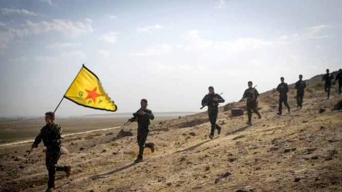 Lực lượng Dân quân người Kurd chiến đấu trên chiến trường Afrin. Ảnh minh họa South Front