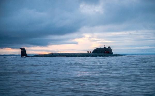 """Tàu ngầm nguyên tử đa nhiệm """"Severodvinsk"""", hạm đội Biển Bắc. Ảnh video Bộ Quốc phòng Nga"""