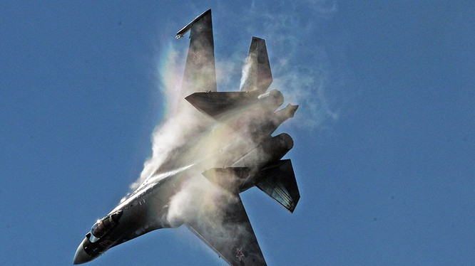 Máy bay tiêm kích chiếm ưu thế trên không Su-35. Ảnh minh họa Rusian Gazeta