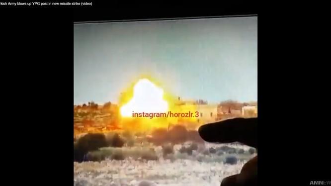 Binh sĩ Thổ Nhĩ Kỳ sử dụng tên lửa chống tăng có điều khiển tấn công dân quân người Kurd.