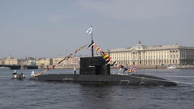 Chiếc tàu ngầm thứ 2 thuộc dự án 677 lớp Lada, Kronstadt. Ảnh minh họa: RG.