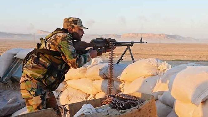 Binh sĩ Syria trên chiến trường Hama, idlib. Ảnh minh họa: Masdar News.