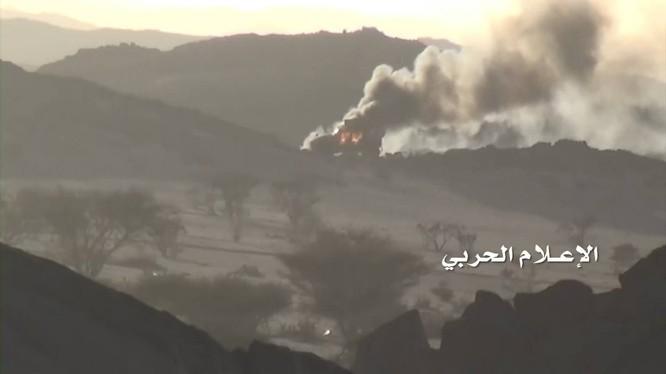 Các chiến binh Houthi tấn công Liên minh quân sự vùng Vịnh trên vùng biên giới Yemen - Ả rập Xê-út.