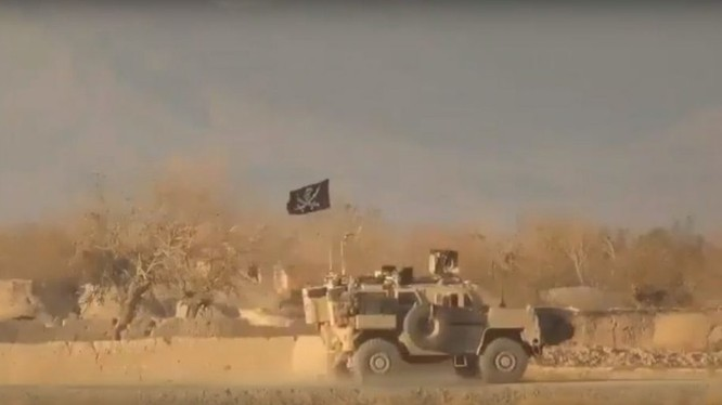 Đoàn xe quân đội Mỹ trúng mìn Afghanistan. Ảnh minh họa video