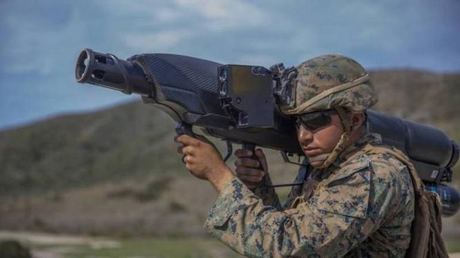 Lính thủy đánh bộ Mỹ thử nghiệm súng chống Drone Skywall 100. Ảnh minh họa: Warspot.