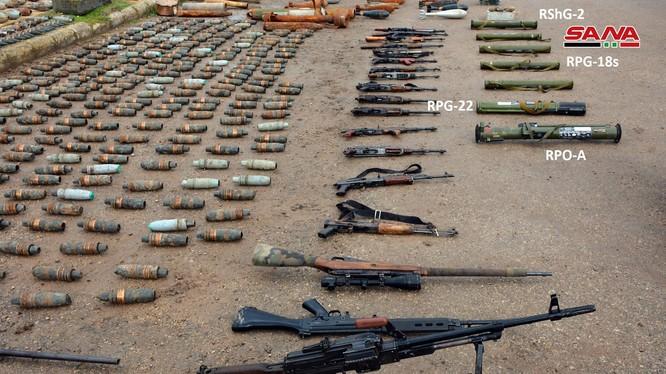 Quân đội Syria thu giữ vũ khí trang bị trên địa phận Hama. Ảnh minh họa: South Front.