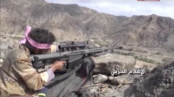 Chiến binh xạ thủ bắn tỉa Houthi săn đuổi binh sĩ Ả rập Xê-út và lực lượng Yemen ủng hộ tổng thống Hadi. Ảnh: South Front.