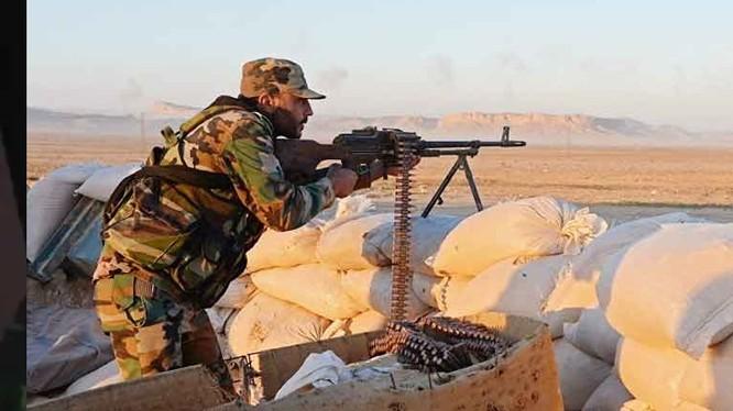 Binh sĩ quân đội Syria trên chiến trường thành phố Manbij. Ảnh minh họa: Masdar News.