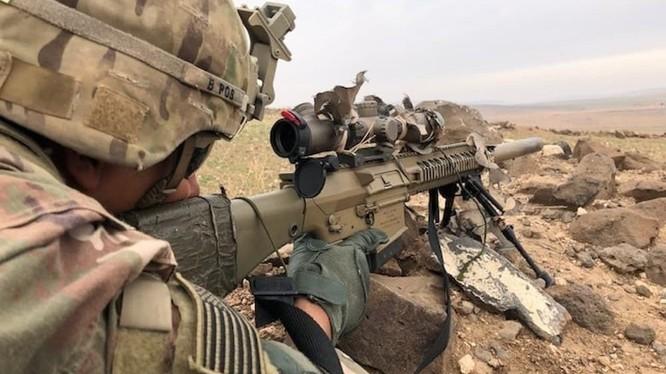 Lính Mỹ sử dụng súng bắn tỉa M110 SASS trên chiến trường Trung Đông (Iraq - Syria).