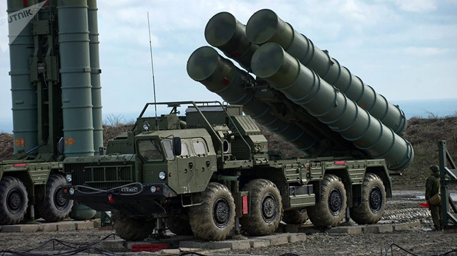 Trung Quốc triển khai thử nghiệm các tổ hợp tên lửa S-400. Ảnh minh họa: TASS.