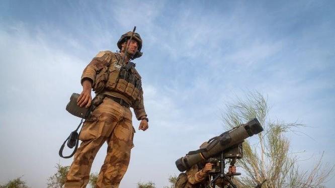 Quân đội Pháp triển khai tổ hợp tên lửa chống tăng MMP trên chiến trường Mali.