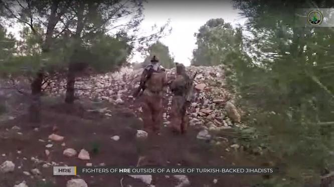 Các tay súng FSA trong làng Khalta, thuộc thành phố Afrin trước khi bị ALF tấn công tiêu diệt. Ảnh: tài khoản Twitter @ ALF.
