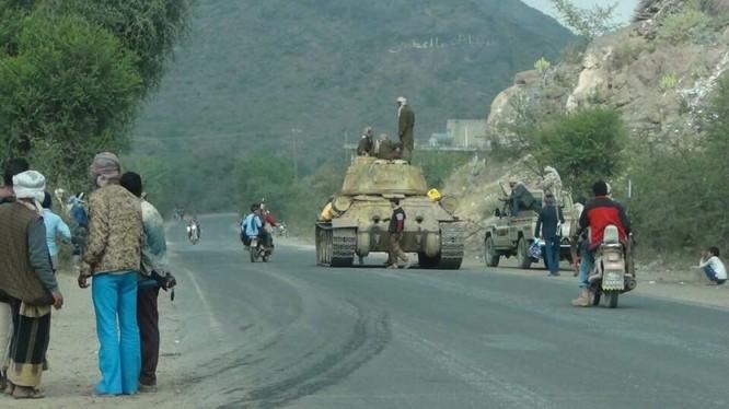 Xe tăng T-35-85 của quân đội Yemen trên Thị trấn Damt, tỉnh Dhale. Ảnh minh họa: South Front.