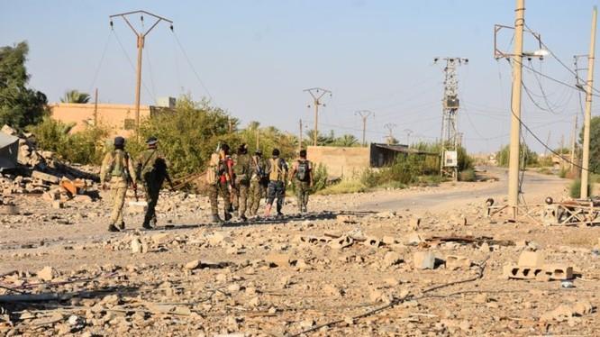 Những chiến binh người Kurd trên chiến trường Deir Ezzor. Ảnh minh họa: South Front.
