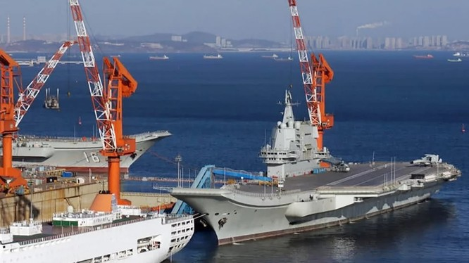 Tàu sân bay Trung Quốc Type001A trong quá trình hoàn thiện. Ảnh SCMP