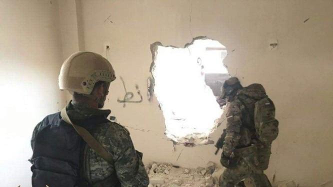 Lính đánh thuê Nga huấn luyện binh sĩ đơn vị vũ trang địa phương ở Syria.