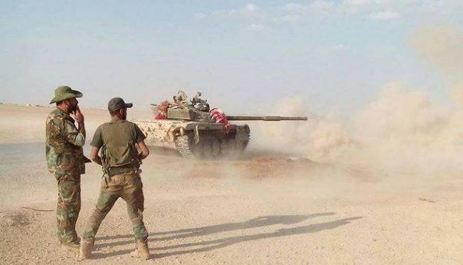 Pháo binh quân đội Syria pháo kích lực lượng Hồi giáo cực đoan. Ảnh minh họa: Masdar News.