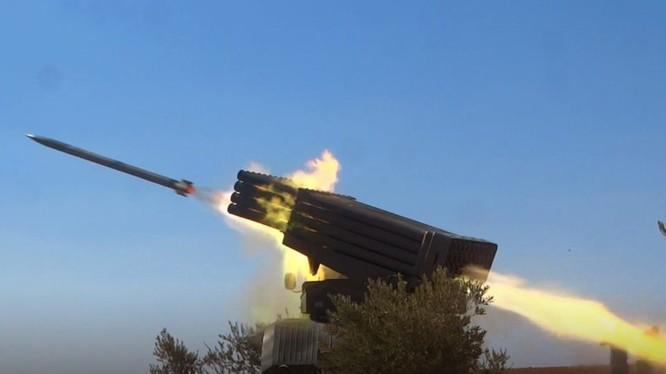Pháo phản lực quân đội Syria đánh phá khốc liệt lực lượng Hồi giáo cực đoan ở Hama, Idlib. Ảnh South Front