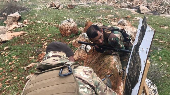 Các chiến binh Palestine huấn luyện chiến đấu ở Aleppo. Ảnh: South Front.