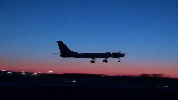 Máy bay ném bom chiến lược mang tên lửa Tu-95MS xuất kích.