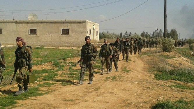 Binh sĩ lực lượng Tiger trên chiến trường Hama.