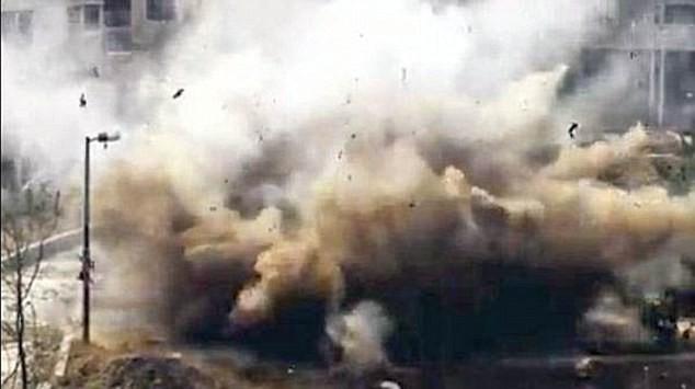 Du kích người Kurd đánh bom xe ở Afrin.