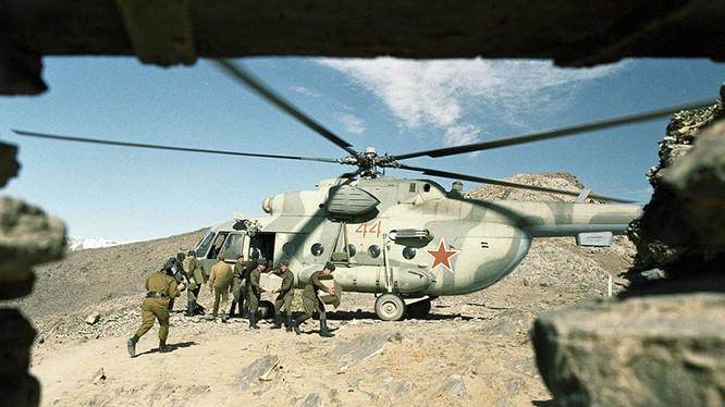 Lực lượng đặc nhiệm Nga trên chiến trường Afghnistan. Ảnh Life. Ru