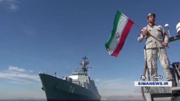Lực lượng Hải quân Iran tiến hành diễn tập trên eo biển Ô-man.