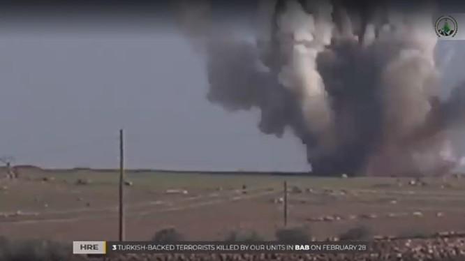 Du kích người Kurd đánh bom xe cơ giới của Quân đội Syria tự do ở Afrin.