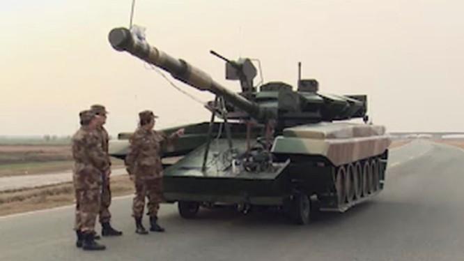 Bia mô hình xe tăng T-90 Trung Quốc. Ảnh: Defence - Blog.