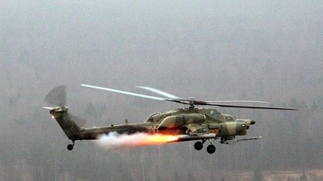 Máy bay trực thăng Mi-28N tấn công mục tiêu khủng bố ở Hama.