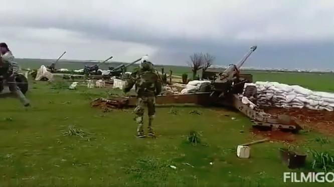 Lực lượng pháo binh sư đoàn cơ giới số 4 quân đội Syria. Ảnh minh họa: Masdar News.