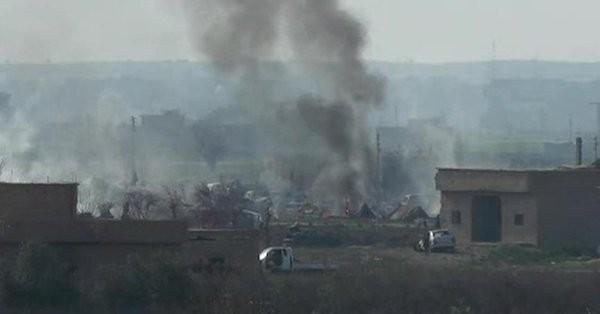 Chiến trường thị trấn Baghouz, Deir Ezzor mịt mù khói lửa. Ảnh minh họa Masdar News