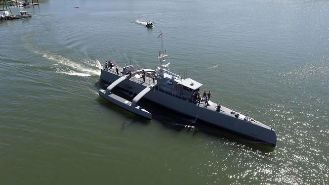 """Robot chống ngầm """"Sea Hunter"""" ra khơi thử nghiệm. Ảnh minh họa The National Interest"""