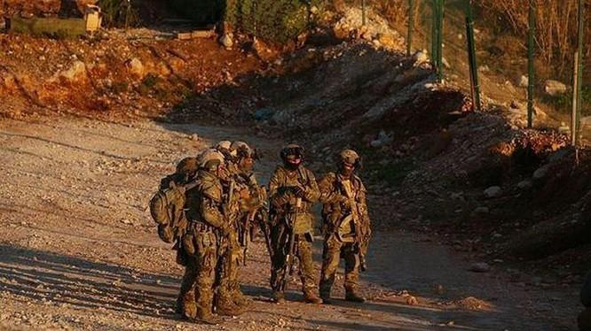 Một nhóm đặc nhiệm Nga xuất hiện trên chiến trường phía tây Deir Ezzor. Ảnh: South Front.