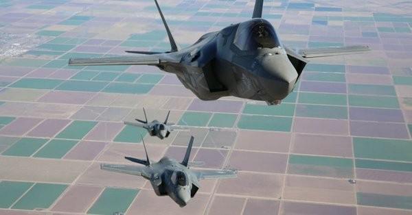 Máy bay tiêm kích tàng hình F-35. Ảnh minh họa The Aviationist