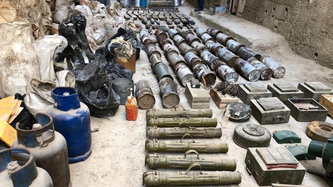 Kho vũ khí lớn của nhóm khủng bố IS, cất giấu bí mật trong khu vực Trại tị nạn Yarmouk. Ảnh: Muraselon.