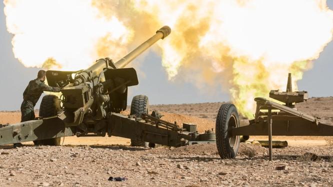 Pháo binh - tên lửa quân đội Syria đánh phá dữ dội chiến tuyến của lực lượng Hồi giáo cực đoan trên khu phi quân sự. Ảnh minh họa: Masdar News.
