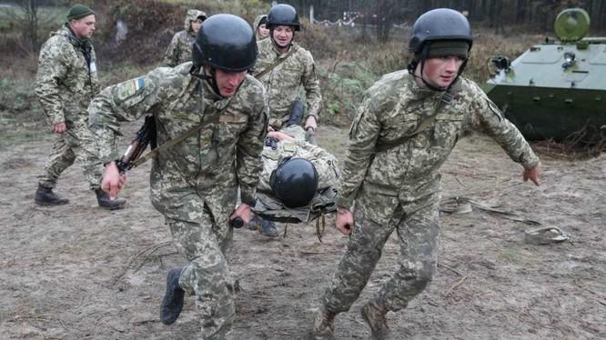 Binh sĩ Ukraine, thiệt mạng trên chiến trường Donbass trong cuộc đọ súng với dân quân Donetsk. Ảnh: Rusvesna.