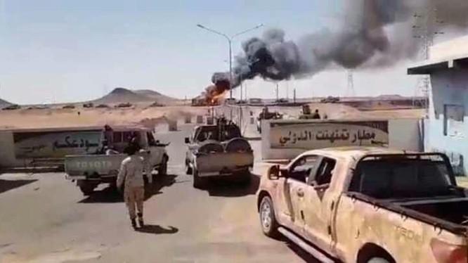 Lực lượng dân quân GNA chiến đấu trong khu vực Aln Zara, ngoại ô thành phố Tripoli.
