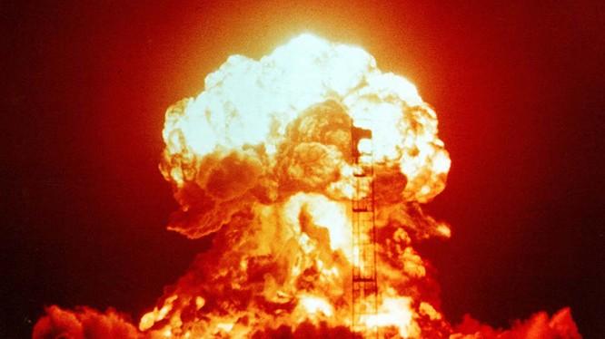 Vụ nổ hạt nhân, ảnh minh họa của Taylor& Francis Group