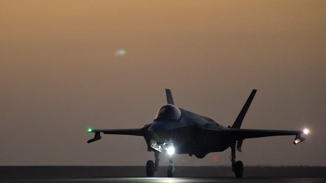 Máy bay tiêm kích tàng hình F-35A trên khu vực chiến trường Trung Đông.