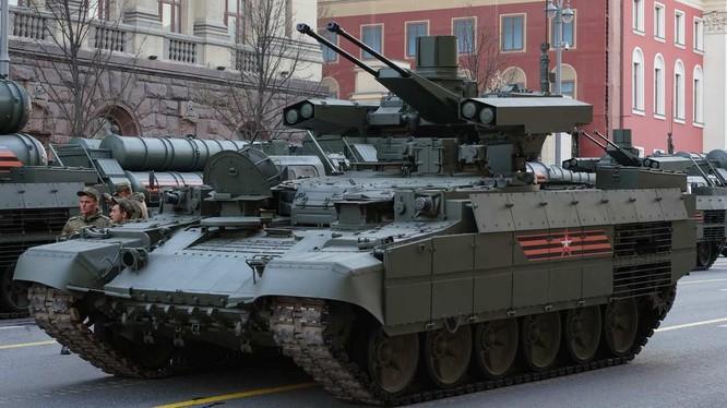Xe thiết giáp Terminator 3 trong diễu hành ngày Chiến thắng. Ảnh minh họa Rusvesna